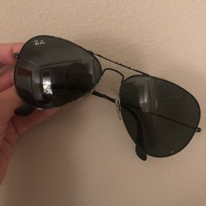 Black Ray Ban Aviator Sunglasses